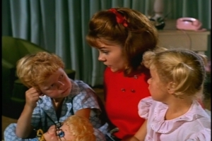 The episode closes with Cissy telling the twins a cute story about a fish who's trying to earn his flying license. The story captivates even French.
