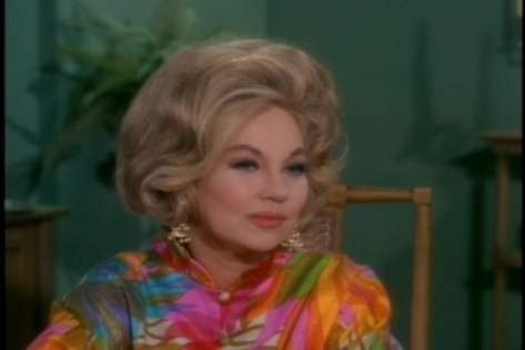 Though you can't really tell in these screen captures, Ann Sothern gets the same soft-focus closeups Louise Latham got in the last episode. One wonders why--Sothern looks great for her age in the longer shots.