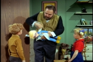 """French shows some nice sensitivity in this scene, as he make Mrs. Beasley a tourniquet from his handkerchief to prevent her from going into """"shock."""""""