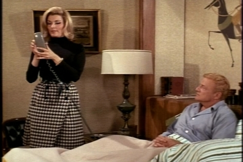 She can, however, dial the phone to make dinner plans with a certain Carl.
