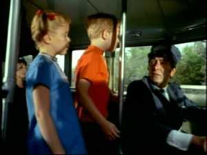 Meanwhile, when the bus stops to admit a passenger, Buffy and Jody try to get assistance from the bus driver.