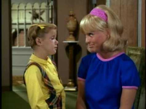 Buffy then makes a fatal error--she asks Sharon for advice.