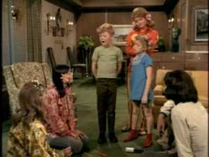 As an aside, I had never heard of jackstraws before watching this episode. I only knew about pick-up sticks, of which jackstraws is apparently a variation. Jackstraws, quoits--were the Family Affair writers referencing unusual games, or did I have narrow game horizons?